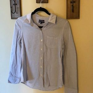 "Gap ""boyfriend fit"" Women's blouse. Size M"